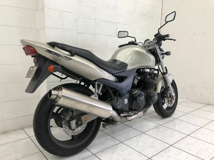 2000 Kawasaki ZR-7 (ZR750) SILVER