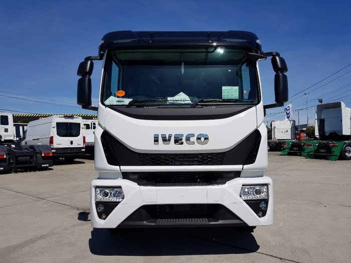 2021 IVECO EUROCARGO ML160 E28 E6 SLEEPER AUTOMATIC null null White