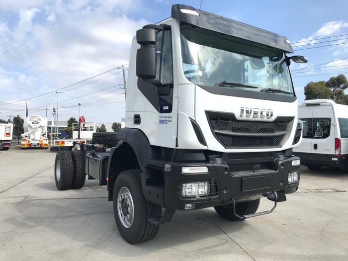2020 IVECO TRAKKER 4X4 360HP AMT SUITABLE FOR SPREADER null null White