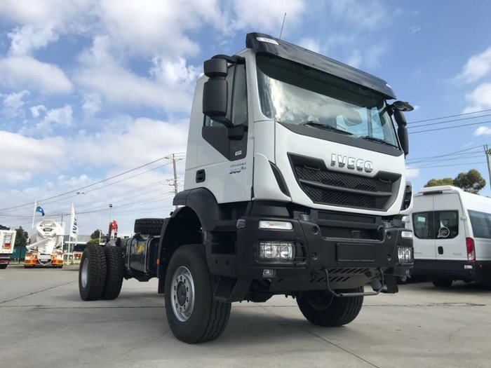 2021 IVECO TRAKKER 4X4 360HP AMT SUITABLE FOR SPREADER null null White