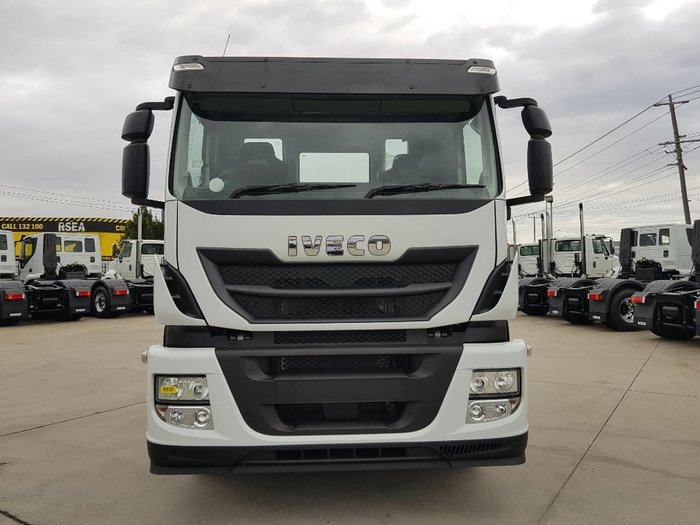 2019 IVECO STRALIS AD 450HP 8X4 null null White