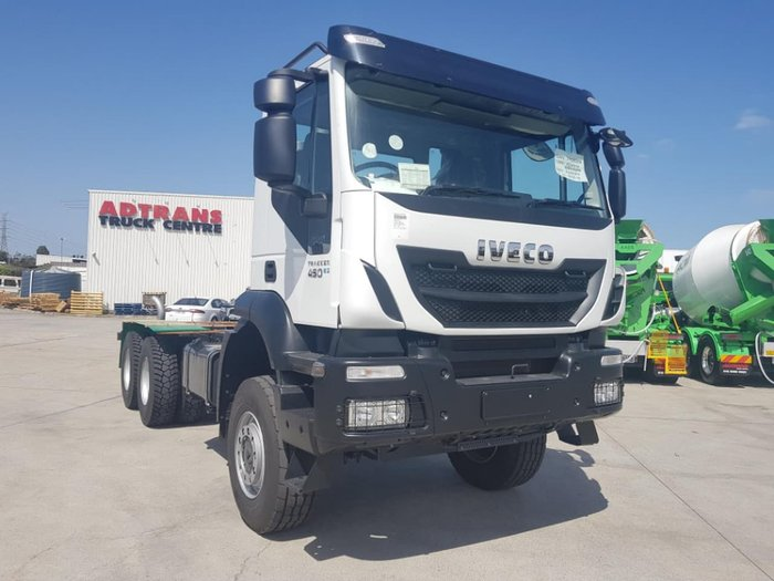 2019 IVECO TRAKKER 6X6 - GREAT FOR HD OFFROAD / SPREADER WORK null null white