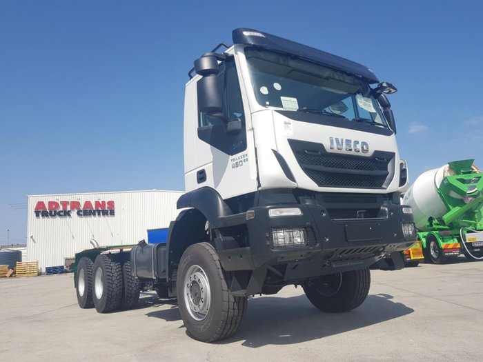 2021 IVECO TRAKKER 6X6 AUTO - GREAT FOR HD OFFROAD / SPREADER WORK null null white