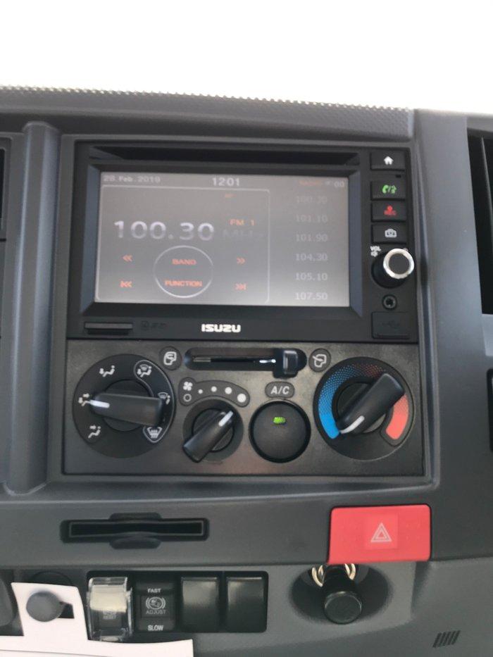 0 Isuzu NLR 55-150 TRI-TIPPER