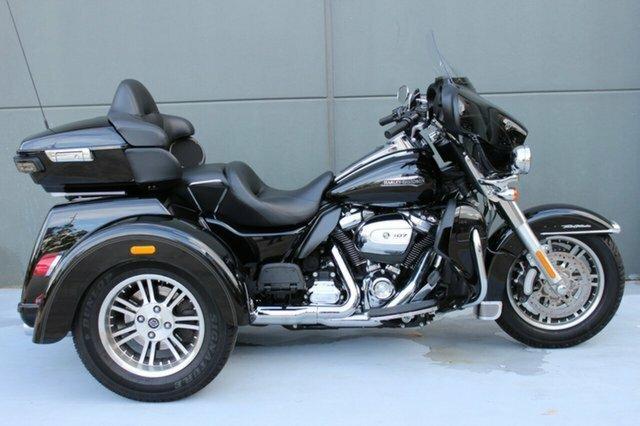 2018 Harley-davidson FLHTCUTG TRI GLIDE ULT CLASSIC Black