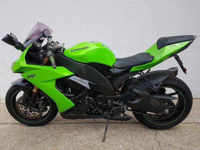 2008 Kawasaki ZX-10R (ZX1000 NINJA) Green