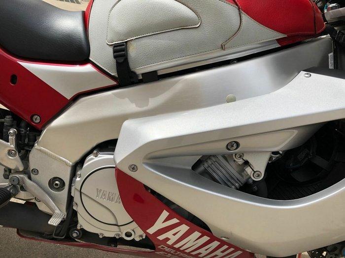 2001 Yamaha YZF1000R THUNDERACE Red