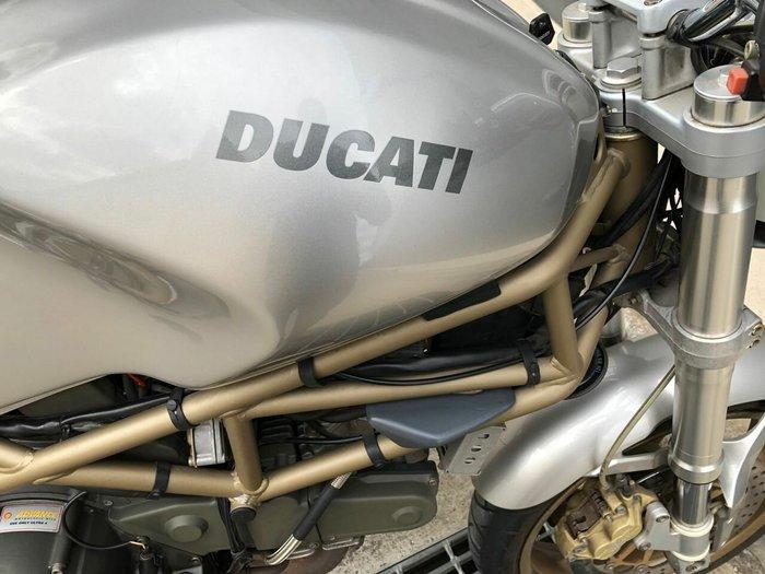 2000 DUCATI 750 MONSTER