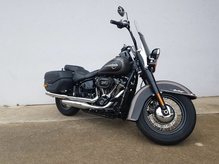 2018 HARLEY-DAVIDSON FLHCS_ANV HERITAGE S/T CLASSIC