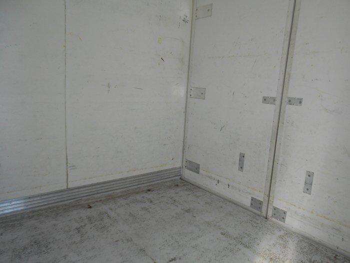 2008 Isuzu NLR200 REFRIGERATED WHITE