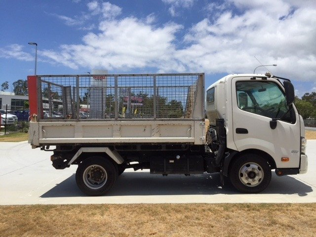 2013 Hino 617 - 300 Series Factory Tipper White