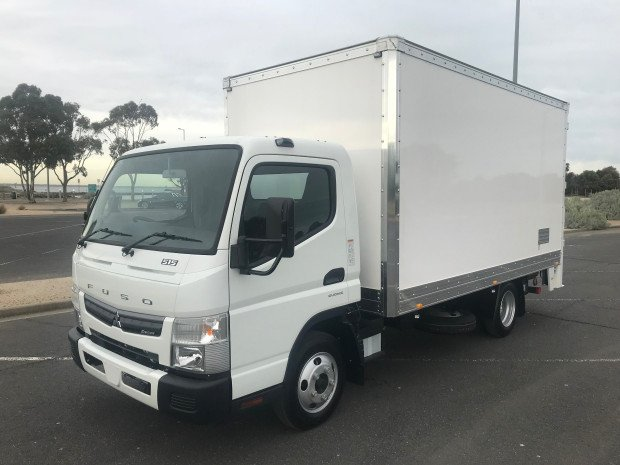 0 Fuso Canter 515 Wide FEB21ER3SFAN White