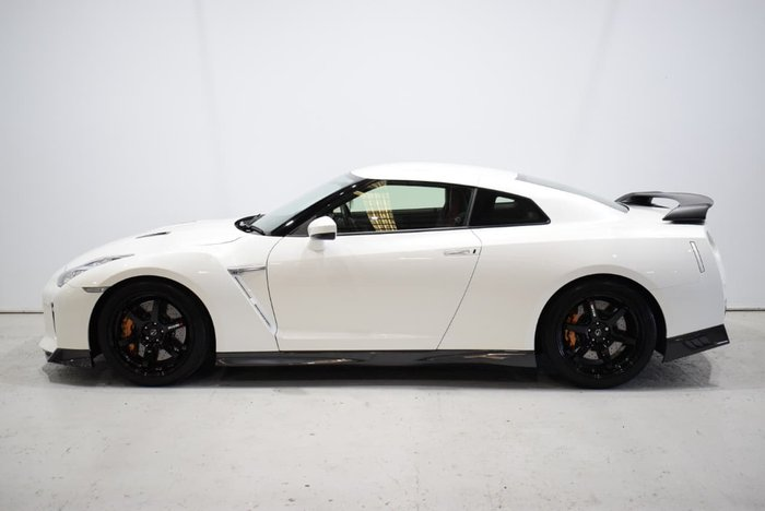 2018 Nissan GT-R Track Edition R35 MY17 Four Wheel Drive White