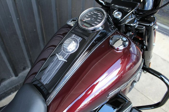 0 Harley-davidson 2019 HARLEY-DAVIDSON 1800CC FLHRXS ROAD KING SPECI TWISTED CHERRY