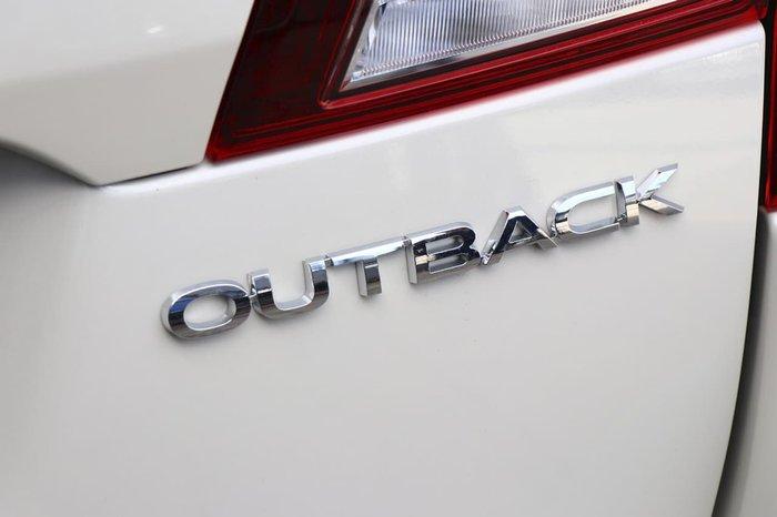 2019 SUBARU OUTBACK 2.5i Premium 5GEN White