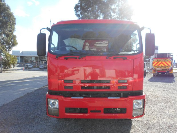 2009 Isuzu FVL1400 RED