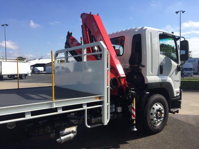 2018 Isuzu FVR 165-300 LWB Tray amp Crane