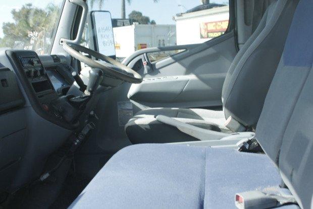 2010 Fuso Canter CREW CAB WHITE