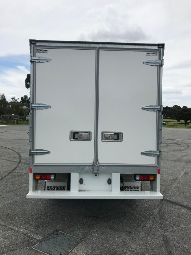 2018 Fuso Canter 515 Wide FEB21CR3SFAN White