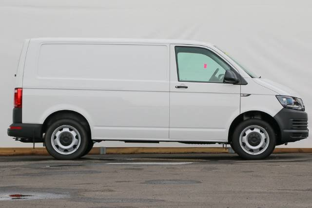 2019 Volkswagen Transporter TDI400 T6 MY19 CANDY WHITE