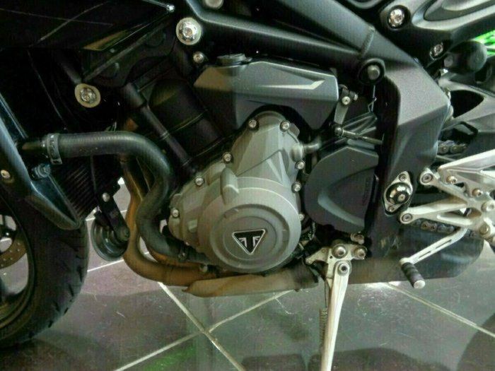 2017 Triumph STREET TRIPLE 660 Black