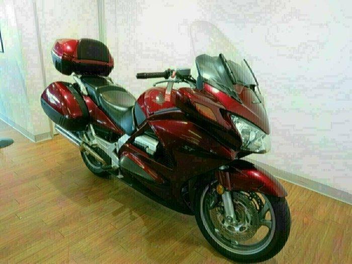 2005 Honda ST1300A RED