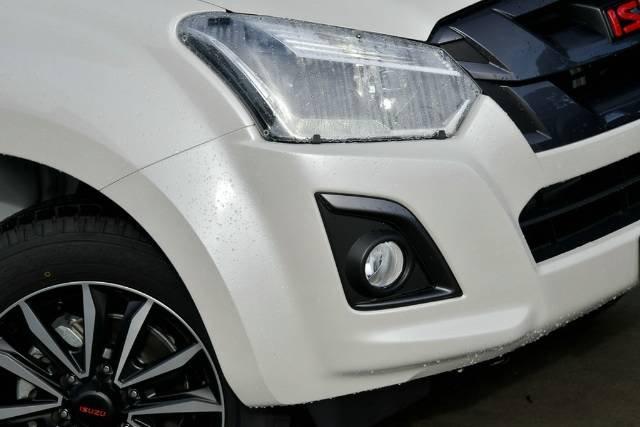 2019 ISUZU D-MAX LS-T DUAL CAB X-RUNN MY19 SILKY WHITE PEARL