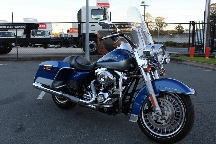 2010 Harley-davidson FLHR ROAD KING Flame Blue Prl/Brilliant