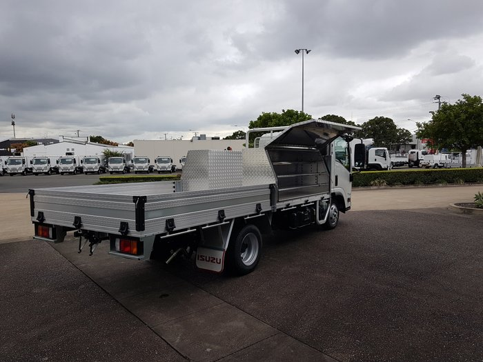 2018 Isuzu NLR 45-150 NLR 45-150 MWB Traypack PLUS