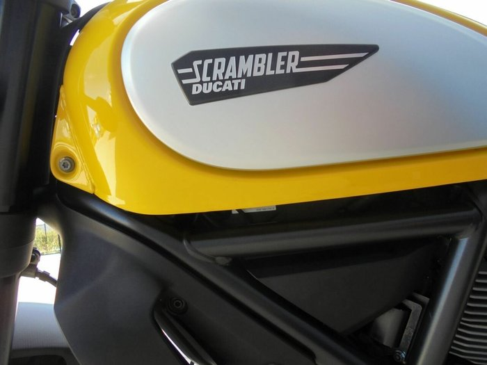 2015 DUCATI SCRAMBLER ICON YELLOW