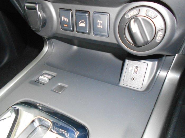 2021 Nissan Navara ST D23 4X4 Dual Range SILVER