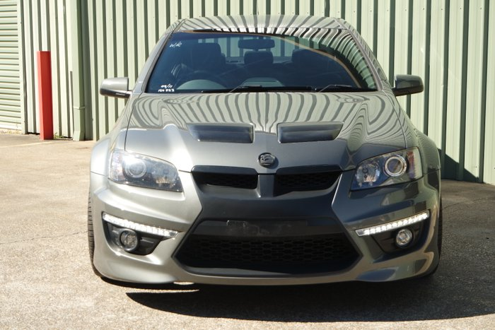 2010 Holden Special Vehicles Clubsport R8 20th Anniversary E Series 2 GREY
