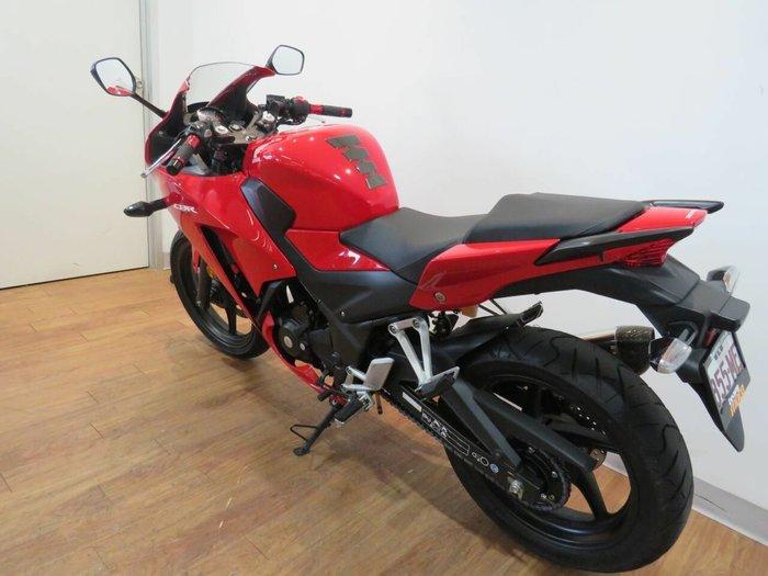 2014 Honda CBR300R RED