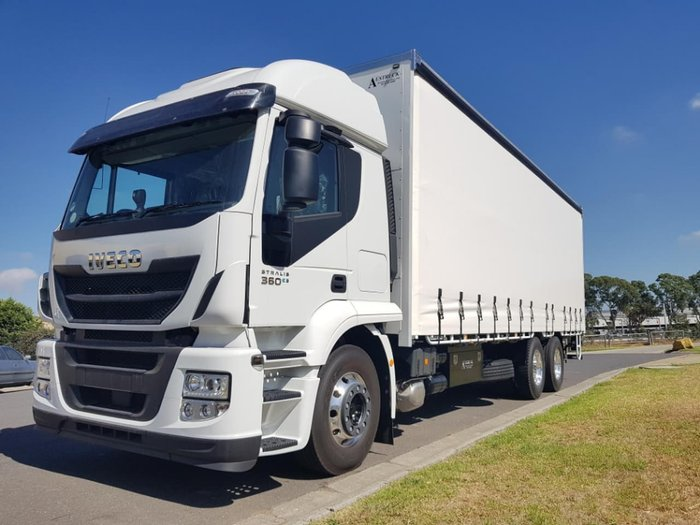 2019 IVECO STRALIS ATI 360 HIGH ROOF WITH TAILGATE LOADER READY TO WORK null null White