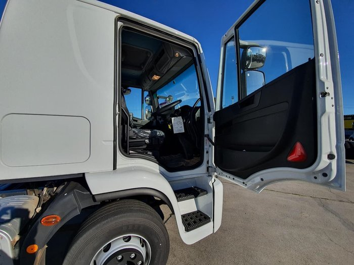 2020 IVECO EUROCARGO ML160 MANUAL 12 PALLET TAUTLINER null null White