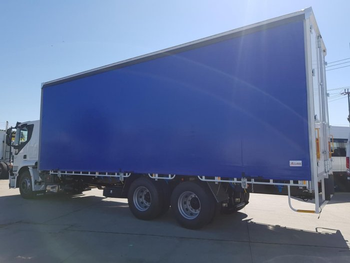 2020 IVECO STRALIS ATI 360 6X2 14 PALLET CURTAINSIDER null null white