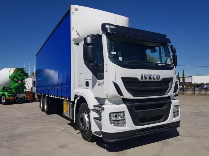 2019 IVECO STRALIS ATI 360 6X2 14 PALLET CURTAINSIDER null null white