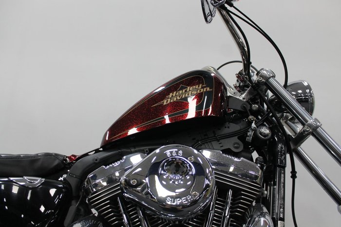 2013 HARLEY-DAVIDSON XL1200V SEVENTY-TWO Red