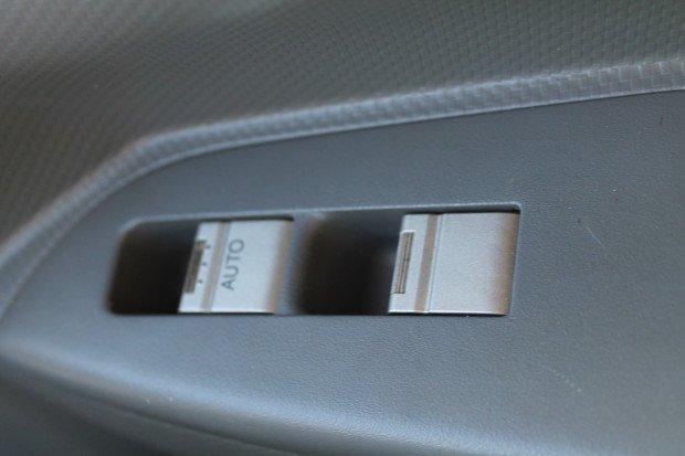 2011 Isuzu NPR400 EX-COUNCIL LOW KILOMETERS WHITE