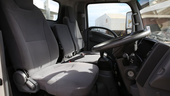 2011 Isuzu NPR400 EX-COUNCIL LOW KILOMETERS