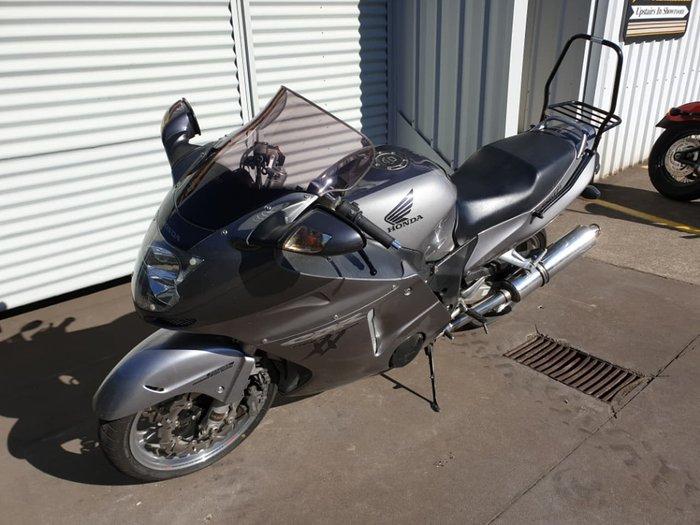 2006 HONDA CBR1100 XX SUPER BLACKBIRD null null Silver