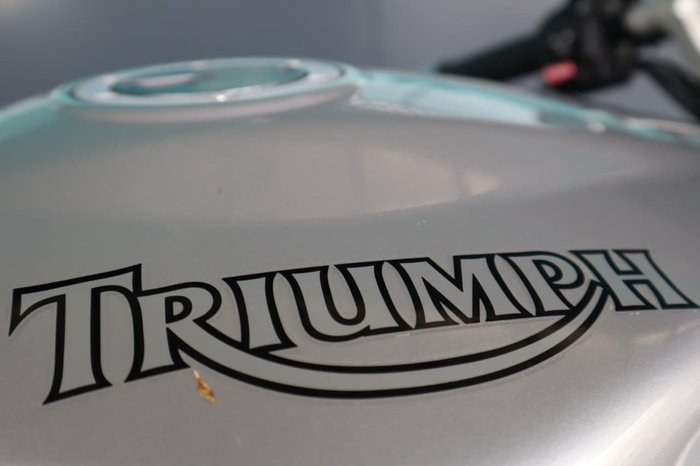 2007 TRIUMPH SPRINT ST 1050 null null Silver
