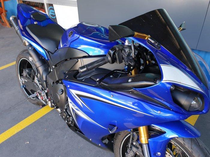 2010 YAMAHA YZF-R1 null null Blue