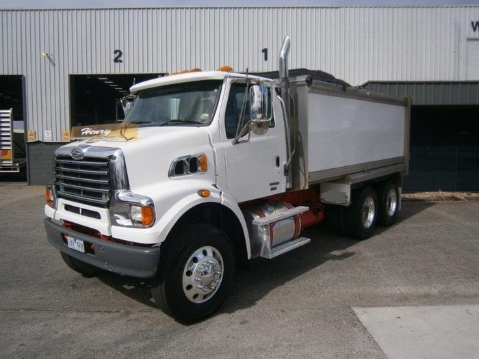 2009 Sterling HX7500 tipper (low klms )