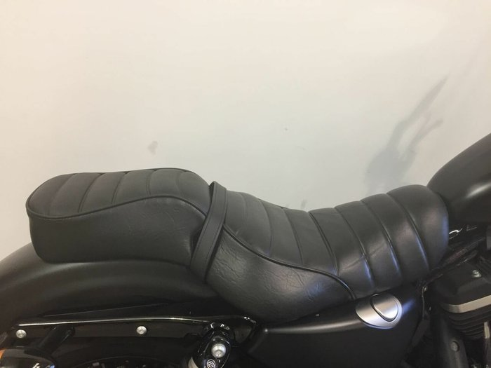 2016 HARLEY-DAVIDSON XL883 IRON 883 Black