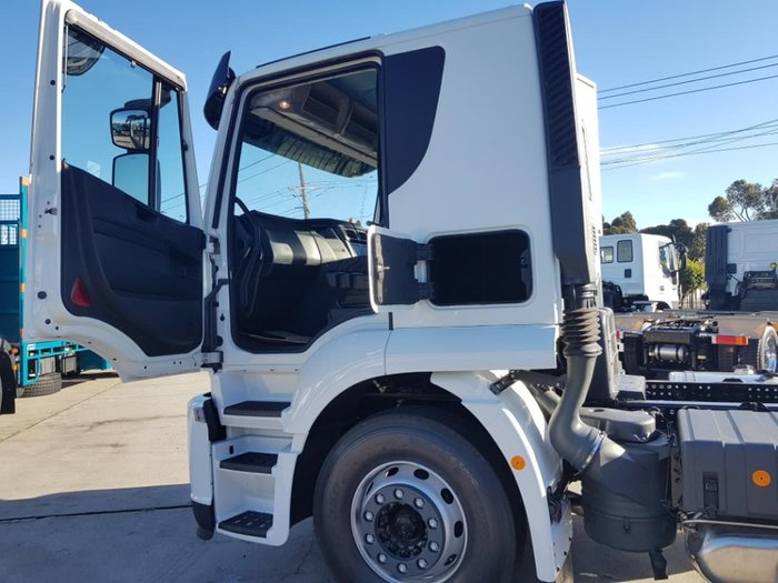 2019 IVECO STRALIS ATI 360 6X2 - 2019 PLATE CLEARANCE null null White