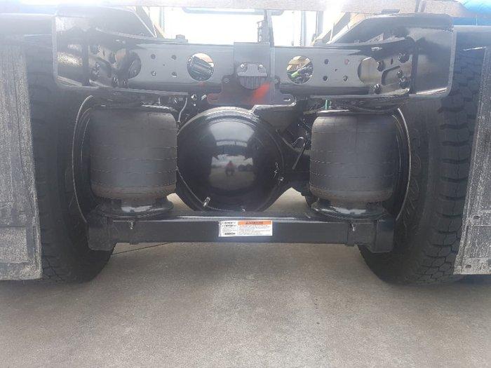 2019 INTERNATIONAL PROSTAR 550HP DAY CAB AMT null null white