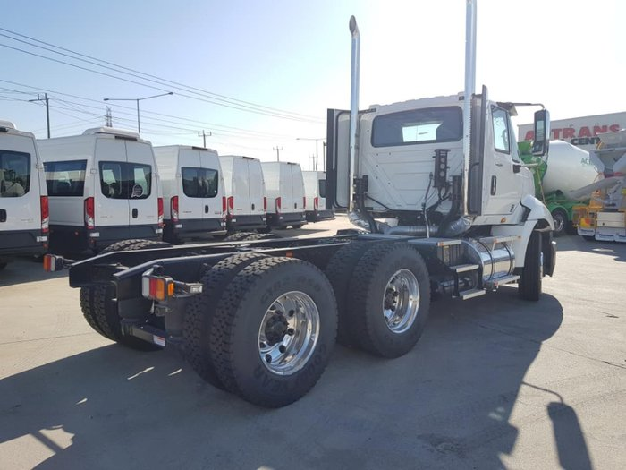 2019 INTERNATIONAL PROSTAR 550HP DAY CAB AMT null null white