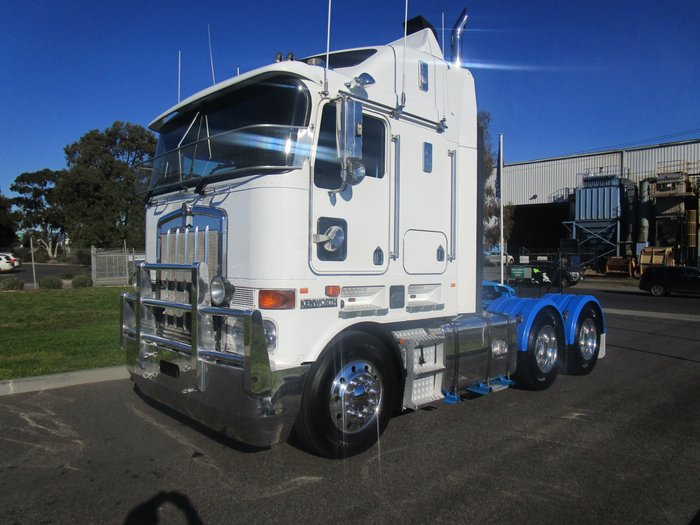 2010 Kenworth K108 WHITE