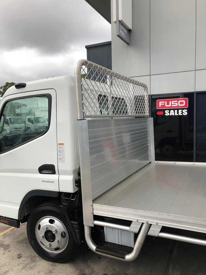 2019 FUSO CANTER 515 FEB21ER3SFAN null null White